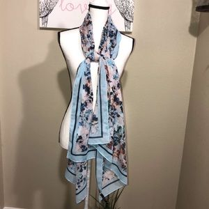 The limited floral scarf nwt